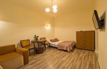 Apartament nr 8 - Pokój gościnny, salon, sofa, sypialnia, TV - gdańsk wynajem